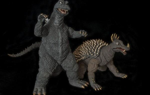 Size comparison between Xplus Godzilla '68 and Anguirus '68.