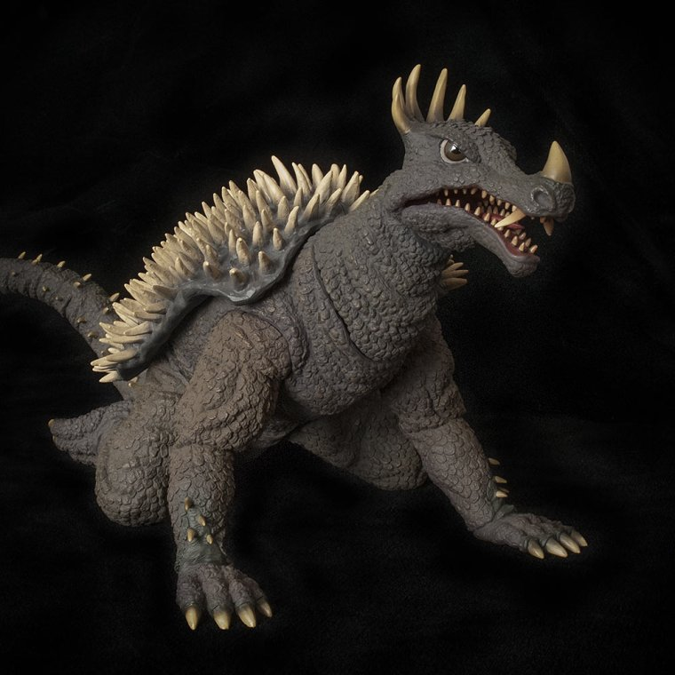 Kaiju Addicts front shot of Xplus Anguirus vinyl.