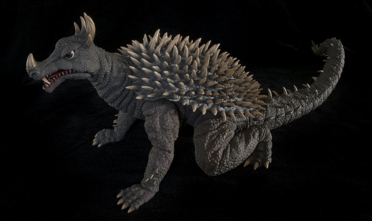 Kaiju Addicts side shot of Xplus Anguirus vinyl figure.