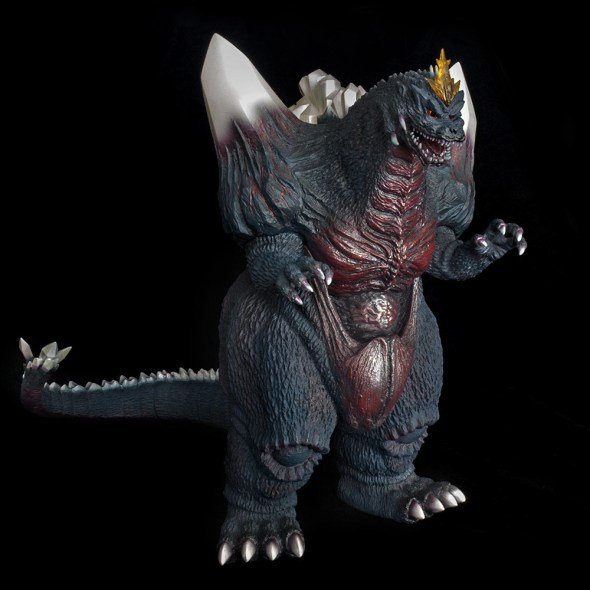 Kaiju Addicts - X-Plus Space Godzilla vinyl figure - full shot.