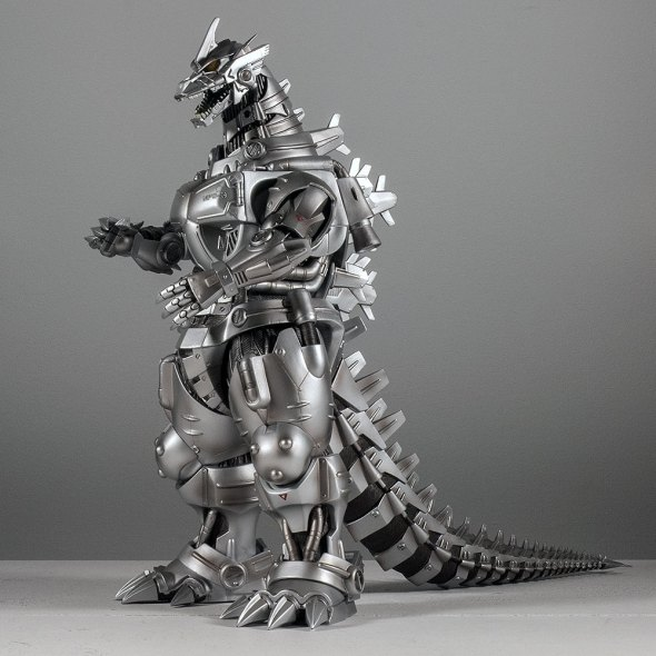 Kaiju Addicts - X-Plus Kiryu Vinyl Figure - Hero Shot.