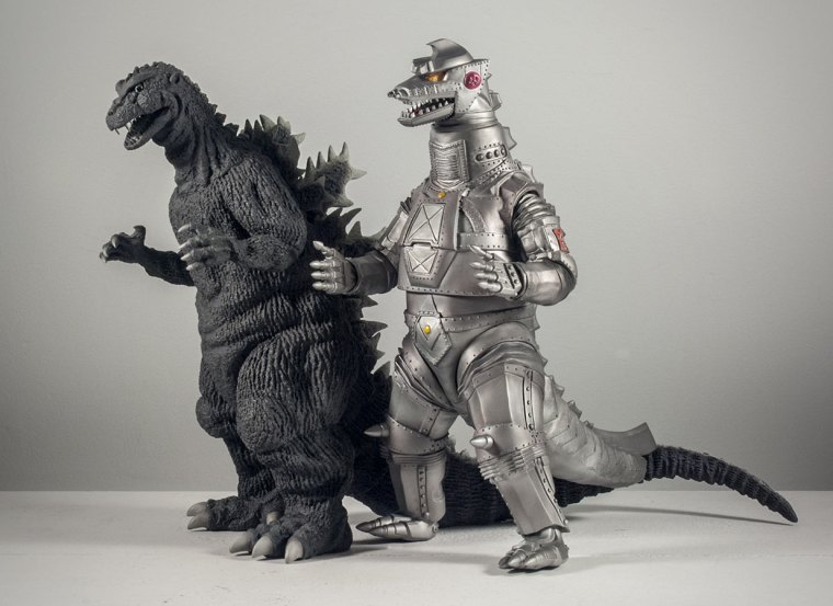 X-Plus Mechagodzilla with the Godzilla 1954 vinyl figure.