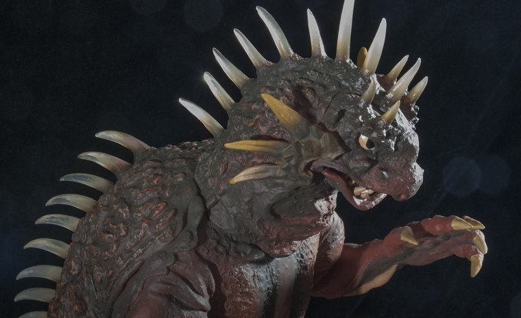 KaijuAddicts - X-Plus Toho 12-inch Series Varan 1958 Vinyl Figure. High head shot.